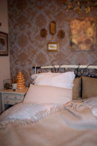 Φωτογραφίες μέσα από το υπνοδωμάτιο μου(my bedroom)!