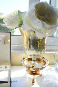 """Πώς θα μετατρέψετε ένα γυάλινο στοιχείο με φύλλα χρυσού σε """"glam decor""""!"""